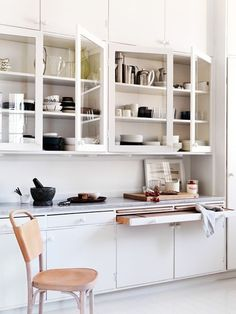 Pull Out Cutting Board | Remodelista
