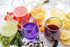 These Healthy Mocktails will quench your thirst all summer long! Choose from 15 non-alcoholic, low calorie mocktail recipes including festive sparkling drinks, kombucha mules, and more. Non Alcoholic Drinks Healthy, Strawberry Alcohol Drinks, Low Calorie Drinks, Keto Cocktails, Vodka Drinks, Cocktail Recipes, Beverages, Sparkling Drinks, Whiskey Drinks