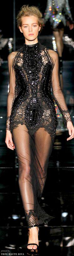 #London FW Tom Ford Spring/Summer 2014 RTW style.com Latest Fashion Design, Love Fashion, Fashion Art, Sexy Dresses, Nice Dresses, Short Dresses, Tom Ford Designer, Spring 2014, Summer 2014