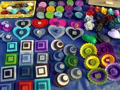 My little and colourful stand with polymer clay and felt creations! - Il mio piccolo e colorato banchetto pieno di creazioni in feltro e fimo!