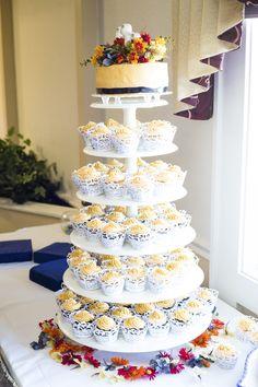Inexpensive Wedding Cake Wilton Tiered Cupcake Holder Chocolate