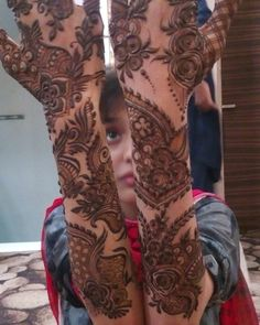 Instagram post by shehnaz pathan • Jan 2, 2017 at 3:17pm UTC Latest Henna Designs, Stylish Mehndi Designs, Wedding Mehndi Designs, Mehndi Art Designs, Arabic Henna, Henna Mehndi, Mehandi Desings, Pakistani Henna Designs, Arabian Mehndi Design