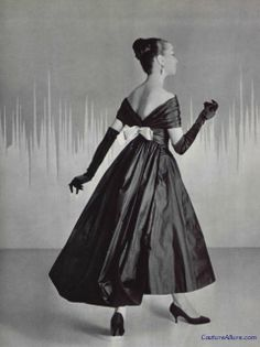 Are you ready for your holiday parties? Black silk taffeta dress by Lanvin-Castillo, Guy Laroche, Christian Lacroix, 1950s Fashion, Vintage Fashion, Classic Fashion, Vintage Dresses, Vintage Outfits, Taffeta Dress, Silk Taffeta