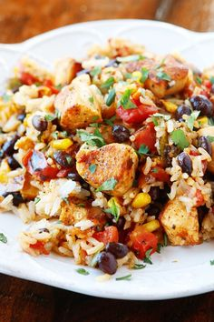 Southwestern Fiesta Chicken. Better than anything you'll get at a restaurant! Seriously who would not want to eat this?? It's like a fiesta on a plate!!