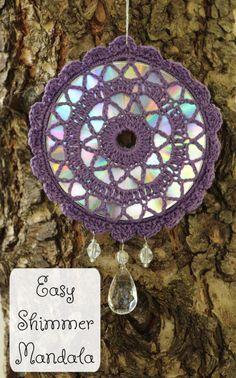 Easy Shimmer Mandala - Celtic Knot Crochet Mandala Au Crochet, Crochet Doilies, Crochet Dreamcatcher Pattern Free, All Free Crochet, Single Crochet, Suncatchers, Crochet Designs, Crochet Patterns, Dream Catcher Patterns