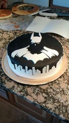 Alors ça c'est ce que j'appelle un gâteau d'anniv' ! http://www.15heures.com/photos/xg6x?utm_source=SNAP #OMG