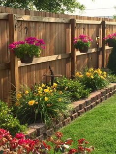 small backyard landscaping 56 inexpensive backyard ideas and designs to enhance your outdoor space 41 Small Front Yard Landscaping, Small Backyard Gardens, Backyard Patio Designs, Small Backyard Landscaping, Backyard Fences, Backyard Projects, Fenced In Backyard Ideas, Landscaping Design, Small Front Yards