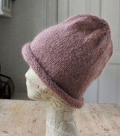 Hotte huer i blød mohair - susanne-gustafsson. Knitted Hats, Knitting Patterns, Beanie, Saga, Garden, Fashion, Fume Hood, Moda, Knit Patterns
