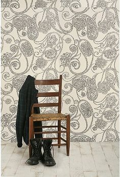 foyer area with gray accent wall Usa Wallpaper, Paisley Wallpaper, Classic Wallpaper, Kitchen Wallpaper, Wallpaper Paste, Pattern Wallpaper, Wallpaper Ideas, Black And Cream Wallpaper, Wall Treatments