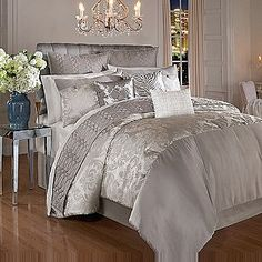 Awesome 4 Pc Comforter Set   New York Dreamer  Kardashian Kollection Home. I Want