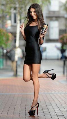 Tight Dresses, Sexy Dresses, Short Dresses, Classy Women, Sexy Women, Beauté Blonde, Pernas Sexy, Girls In Mini Skirts, Mini Vestidos