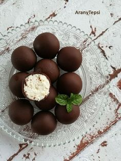 Turos gojok Hungarian Desserts, Hungarian Recipes, Cookie Recipes, Dessert Recipes, Recipes From Heaven, Diy Food, Chocolate Recipes, Easy Desserts, Sweet Recipes