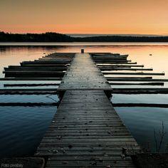 Die Boote warten noch darauf, wieder zum Einsatz zu kommen... 🇫🇮 Aber die Natur tut bereits ihr Bestes, um dem finnischen Frühling die Tore zu öffnen! 😍😍😍 #finnland #finland #suomi #skandinavien #scandinavia #spring #frühling #helsinki #lappland #visitoulu #tampere #espoo #reisen #travel #travelphotography #urlaub #urlaubsreif #nordeuropa #northerneurope #thenorth #arctic #see #lake #nature #natur #naturephotography #wildnis #wildernessculture #boot #boats