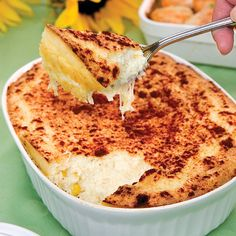Spoonbread is a soufflé& less temperamental cousin, and this cheesy version with fresh corn is so easy to make!more great recipes by ordering your subscriptionof Cooking with Paula Deen Spoonbread Recipe, Corn Spoon Bread, Corn Souffle, Gourmet Recipes, Cooking Recipes, Cheesy Corn, 2 Quart Baking Dish, Thing 1, Paula Deen