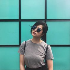 Ronnie Alonte, Sue Ramirez, Bad Girl Aesthetic, Girl Photography, Girl Crushes, My Girl, Short Hair Styles, T Shirts For Women, Style Inspiration
