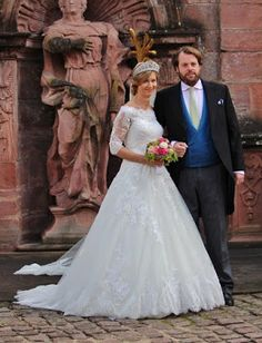 Princess Viktoria Luise of Prussia and Hereditary Prince Ferdinand of Leiningen, Sep 2017 Old Wedding Dresses, Royal Wedding Gowns, Royal Weddings, Royal Tiaras, Royal Jewels, Royal Crowns, Wedding Couples, Wedding Bride, Royal Beauty