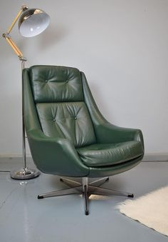 Mid-Century Danish Green Leather Swivel Lounge Chair by H.W. Klein for Bramin 2