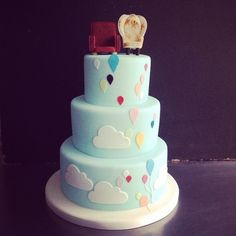 UP Balloons and Clouds Wedding Cake!