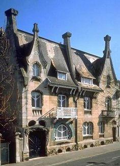 Maison Huot in Nancy - Grand Est, France Architecture Art Nouveau, Architecture Old, Amazing Architecture, Architecture Details, Francia Paris, Design Art Nouveau, Unique Buildings, Villa, Beautiful Places To Travel