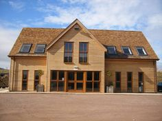 Vincent Timber, based in Birmingham, are suppliers of European Oak Cladding and European Oak Timber, throughout the UK