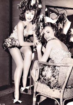 Showgirls, 1942