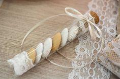 Μπομπονιέρες,N. Αττικής ,Στιγμές Χαράς www.gamosorganosi.gr Wedding Favors, Wedding Day, Invitation Cards, Invitations, Crafts Beautiful, Decoration, Christening, Christmas Cards, Beautiful Pictures