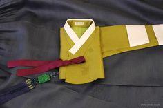 오리미한복 :: 정갈한 디자인의 한복 한 벌, 카키색 삼회장 저고리에 진회색 치마