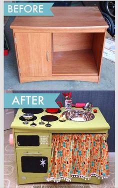 Aus einemalten Schrank eine Kinderküche machen. Zauberhaft