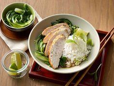 Ingwer-Limetten Huhn auf Pak Choi und Reis -