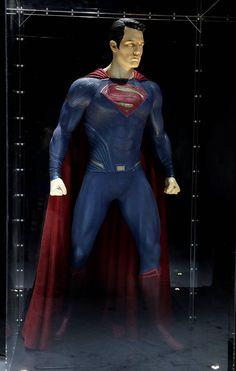 Imagen oficial de la exposición sobre Batman v Superman: El Amanecer de la Justicia (2016) en la Licensing Expo #HarleyQuinn #Supergirl  #WonderWoman #BatmanvSuperman #Batman #SuicideSquad  #TheFlash #Arrow #Joker #FlashReverse #Superman #Gotham #Shazam #DCComics