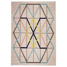 Al ser de pura lana virgen, la alfombra es muy duradera y no se mancha con facilidad