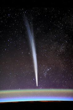 Comet Lovejoy as observed from the ISS, by Dutch astronaut and physician André Kuipers.