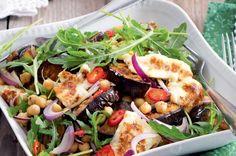 Salát s cizrnou a lilkem Halloumi, Cobb Salad, Chicken, Recipes, Recipies, Buffalo Chicken, Cubs, Food Recipes, Recipe