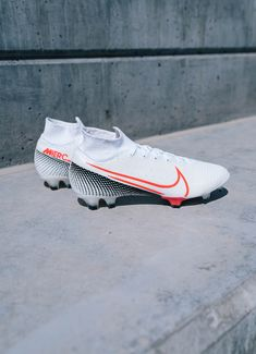 "🔬 Introducing the new ""Future Lab II"" Mercurial Superfly 7 from Nike. — Just dropped at SOCCER. Tap to shop and learn more! Nike Football Boots, Adidas Soccer Boots, Nike Boots, Nike Air Shoes, Nike Soccer, Soccer Shoes, Best Soccer Cleats, Girls Soccer Cleats, Nike Cleats"
