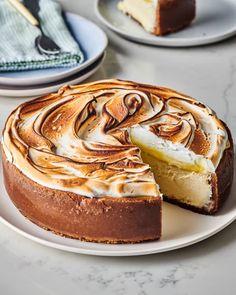 Lemon Meringue Cheesecake, Homemade Cheesecake, Cheesecake Recipes, Dessert Recipes, Small Cheesecake Recipe, Lemon Desserts, Cupcake Recipes, Pie Recipes, Delicious Desserts