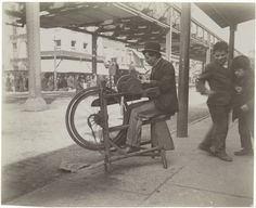 33 Everyday Street Scenes From Late 1800s New York City