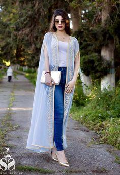 سهر صالح Back Dress Design, Abaya Fashion, Fashion Outfits, Kimono Design, Styles Traditionnels, Hijab Outfit, Kaftans, Abayas, Ramadan