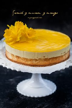 Cheesecake with mango mousse