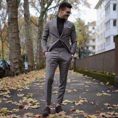 シンプル×グレースーツスタイル