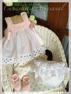 Best 10 Linen and cotton dress, bridesmaid dress, worked crochet and sewing. Baby Girl Fashion, Kids Fashion, Crochet Girls, Baby Boutique, Little Girl Dresses, My Baby Girl, Baby Sewing, Baby Patterns, Baby Knitting