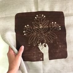 Garden Embroidery, Embroidery Shop, Dmc Embroidery Floss, Embroidery Designs, Linen Stitch, Contemporary Embroidery, Back Stitch, Printed Linen, Hand Stitching