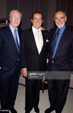 James Bond Actors, Sean Connery James Bond, James Bond Movies, Hollywood Actor, Hollywood Stars, Classic Hollywood, Roger Moore, First Ladies, Cinema Tv