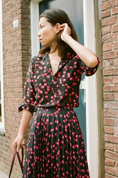 """Locals Only: Amsterdam - """"My personal style is eclectic and feminine, but grounded in simplicity. I love prints and interesting color combinations, especially earthy tones mixed with brights. I definitely feel my best when I can easily move, dance or run at any given moment."""" (J Crew blog)"""