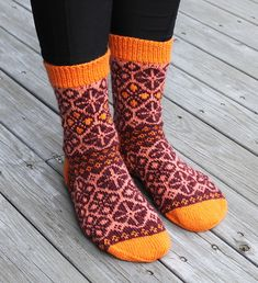 Dagens kjøpeoppskrift: The Sister Socks   Strikkeoppskrift.com