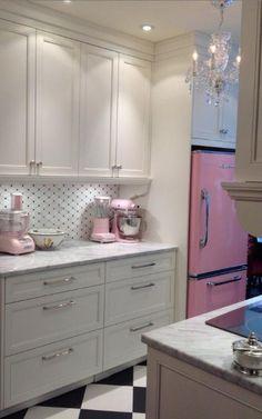 Pink kitchen ideas pink kitchen decor retro and modern stoves ranges ovens fridge big chill kitchens Pink Kitchen Decor, Retro Home Decor, Quirky Decor, Modern Decor, Black Kitchens, Home Kitchens, Retro Kitchens, Kitchen Black, Pink Kitchens