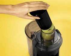 Hamilton beach big mouth juice extractor is everything you would want in a juicer. High Juice, Juicer Reviews, Centrifugal Juicer, Stainless Kitchen, Stainless Steel, Best Juicer, Juice Extractor, Juicing For Health, Hamilton Beach