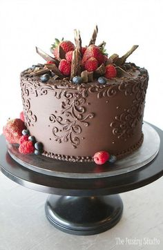rich chocolate single tier cake with ornate scrolling and gold brushed berries a. - rich chocolate single tier cake with ornate scrolling and gold brushed berries and chocolate shards - Pretty Cakes, Beautiful Cakes, Amazing Cakes, Wedding Cakes With Cupcakes, Cupcake Cakes, Cake Icing, Cake Wedding, Chocolate Desserts, Chocolate Cake