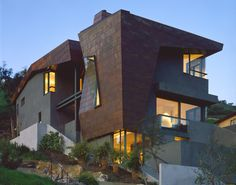Love this house. Drager House by Frank Israel