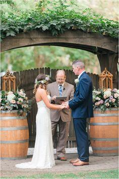 Wine Roses Lodi Ca Wedding In Front Of The Garden Gate Unique