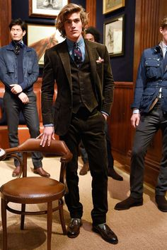 Men's style trends come and go by the day it seems, as fashion has always been a cyclical beast. Here are trends that you can experiment with today. | GENTLEMAN WITHIN //   Men's Style Trends For 2019 To Wear Right Now. Clean Tailoring Outfit. //   fashion trends, style trends, mens style, menswear, tailor, tailoring  //   #fashiontrends2019 #styletrends #fashiontrends #tailoring #tailor Der Gentleman, Gentleman Style, Mode Masculine, Fashion Week, Fashion Show, Fashion Trends, Fashion Styles, Men's Fashion, Estilo Ivy
